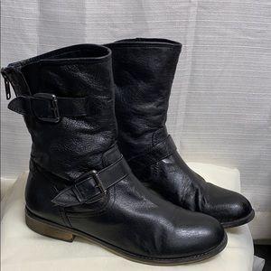Steve Madden Black leather combat boots temmpt